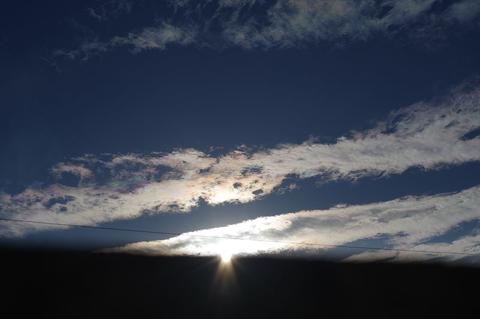 彩雲と半影月食