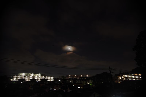 月と木星土星と雲の接近